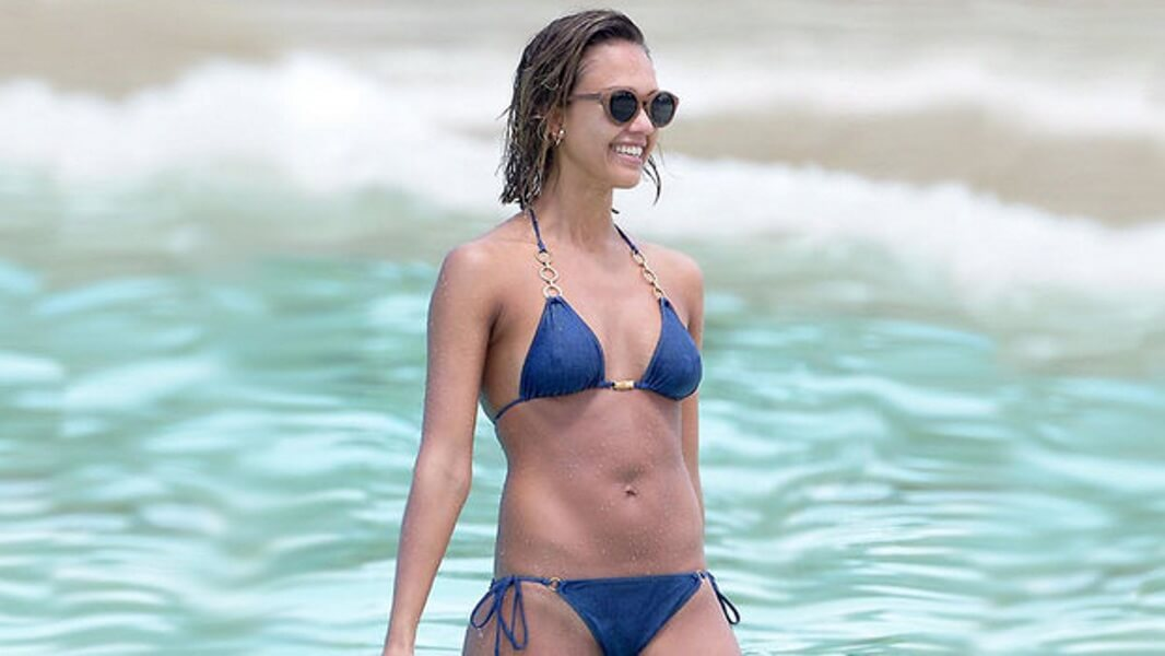 The Fantastic Abs of Jessica Alba