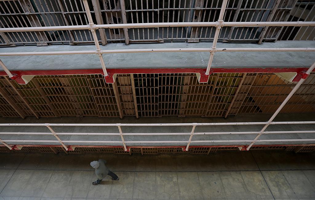 Prisoner That Sued Himself