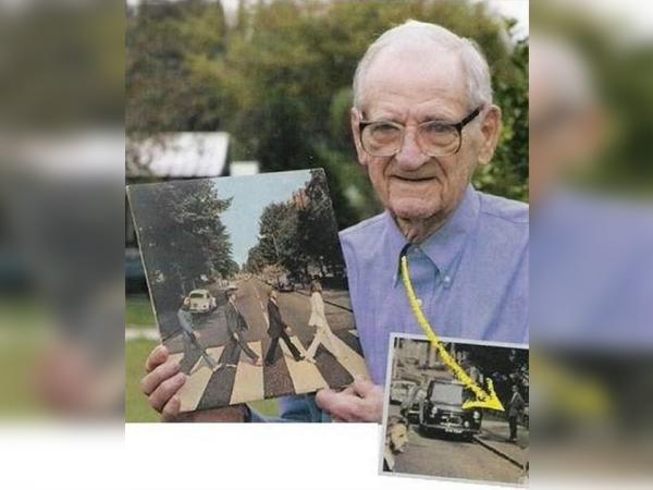 GrandpaPhotobomb-27745.jpg