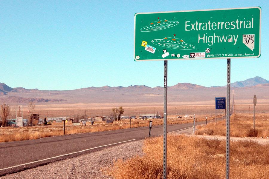extraterrestrial-highway-81754-19978.jpg