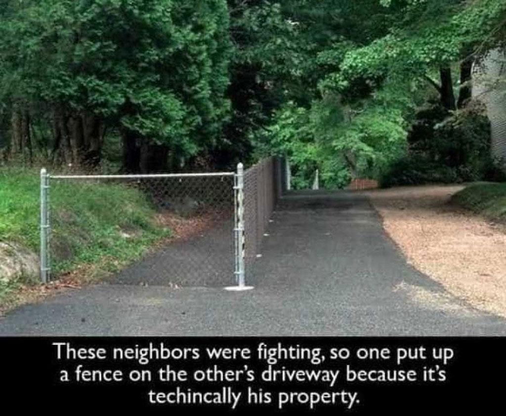 fence-driveway