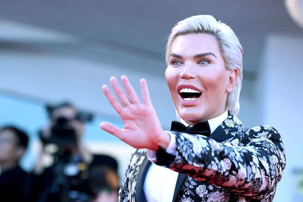 rodrigo alves red carpet