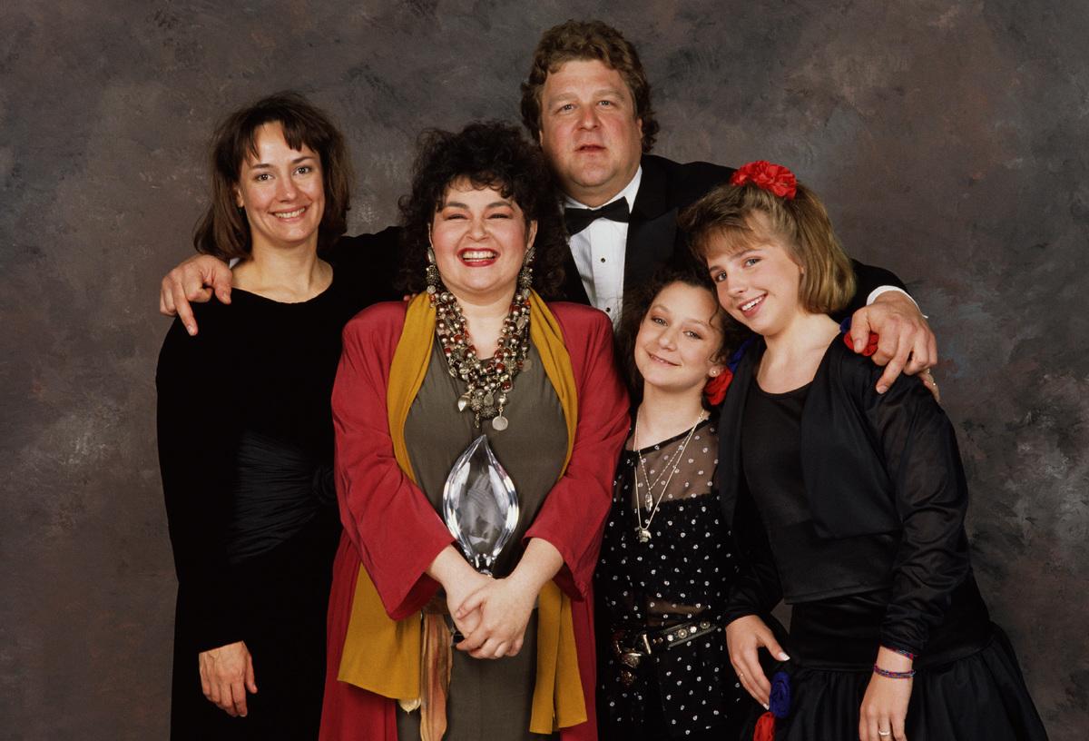 Roseanne cast 1989