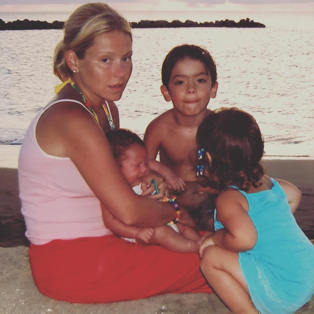 throwback photo of kelly ripa and her kids