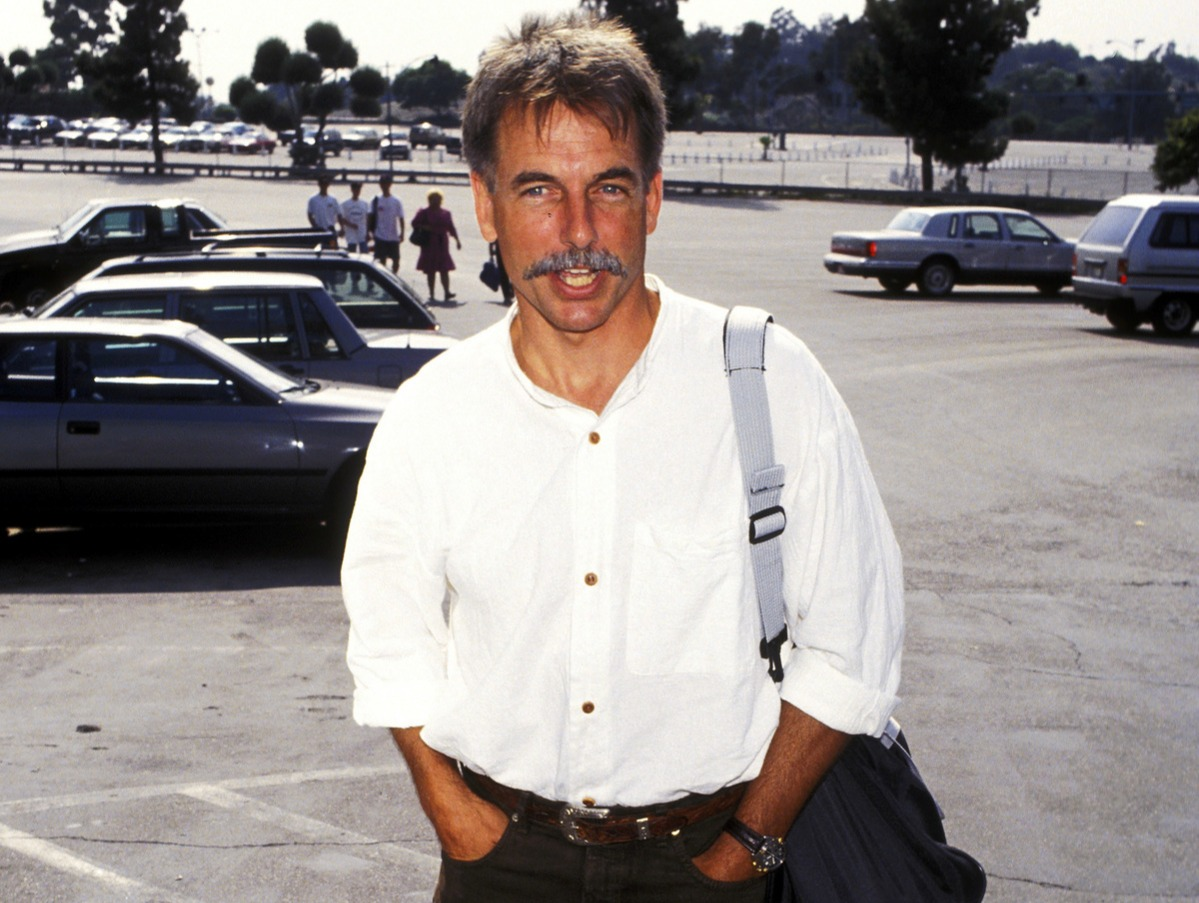 mark harmon with a mustache in 1993