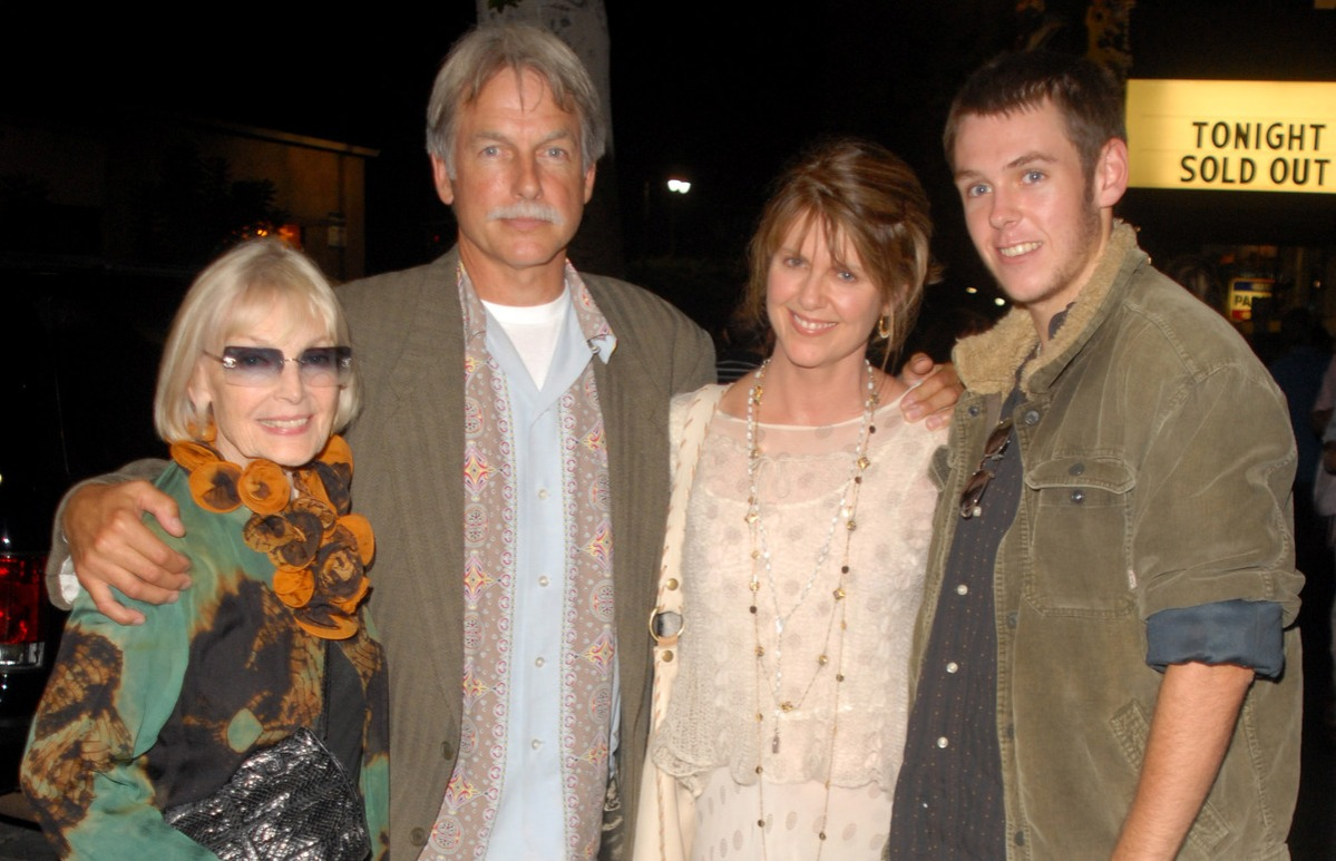 "Elyse Knox, Mark Harmon, Pam Dawber and son Sean during ""Jesus Christ Superstar"" Los Angeles Performance - August 13, 2006"