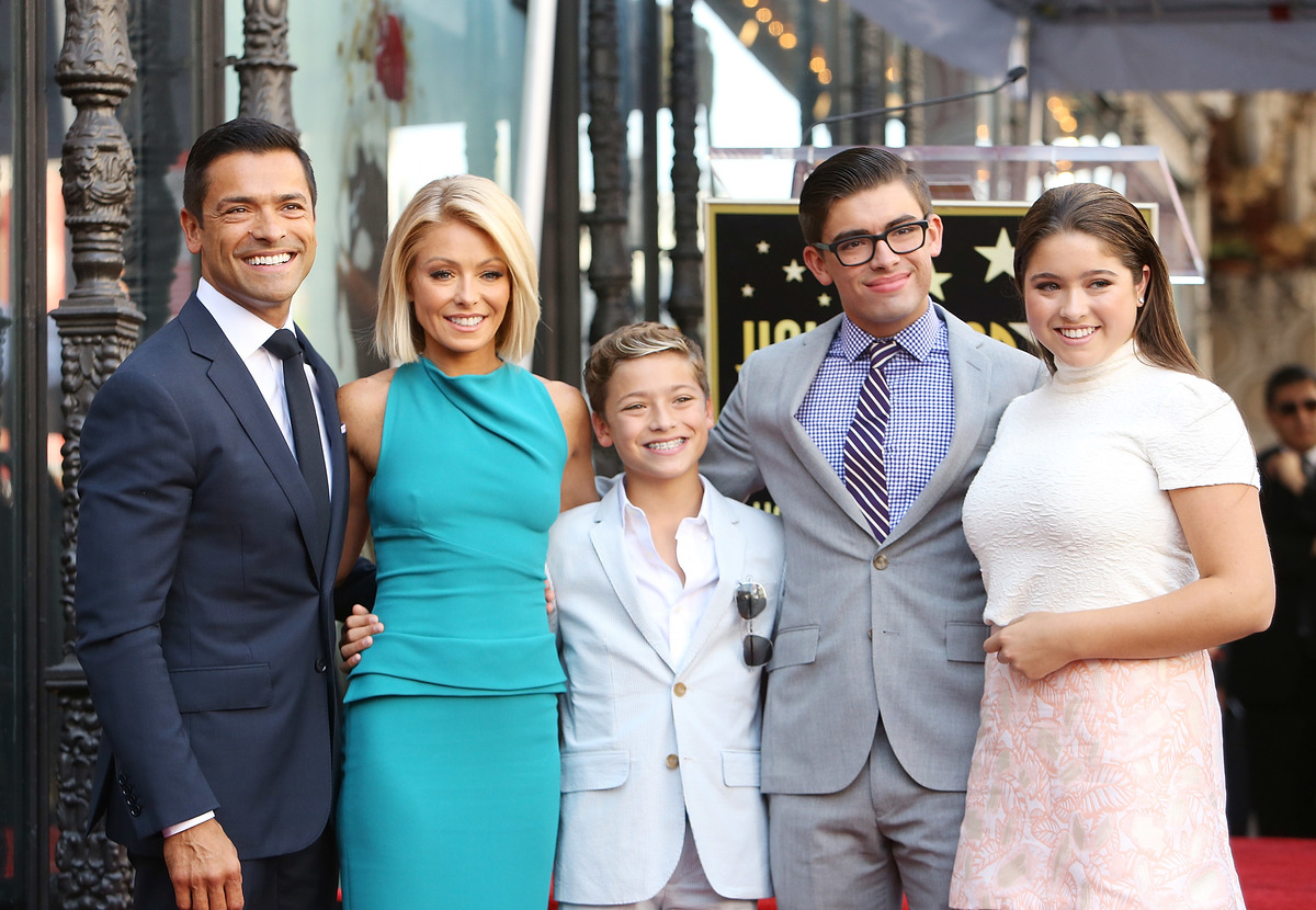 kelly ripa and her family on the hollywood walk of fame-492376670