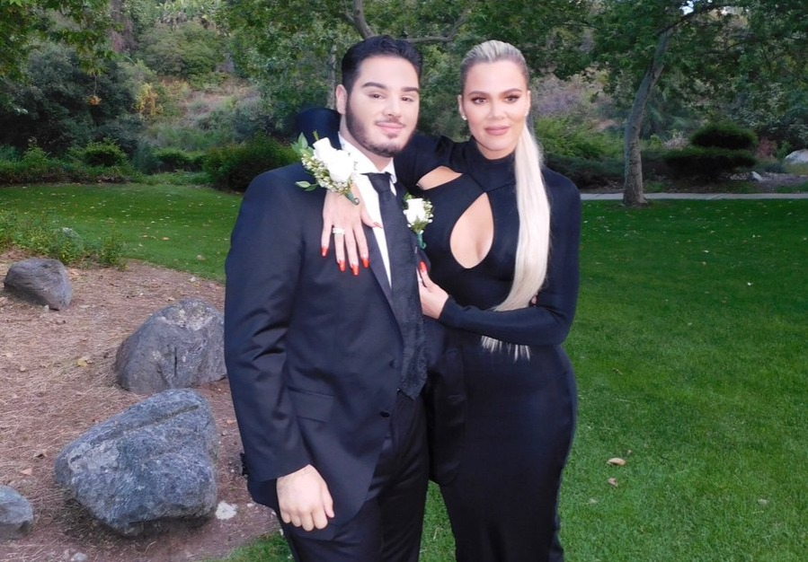 tweeted out by @khloekardashian from Prom