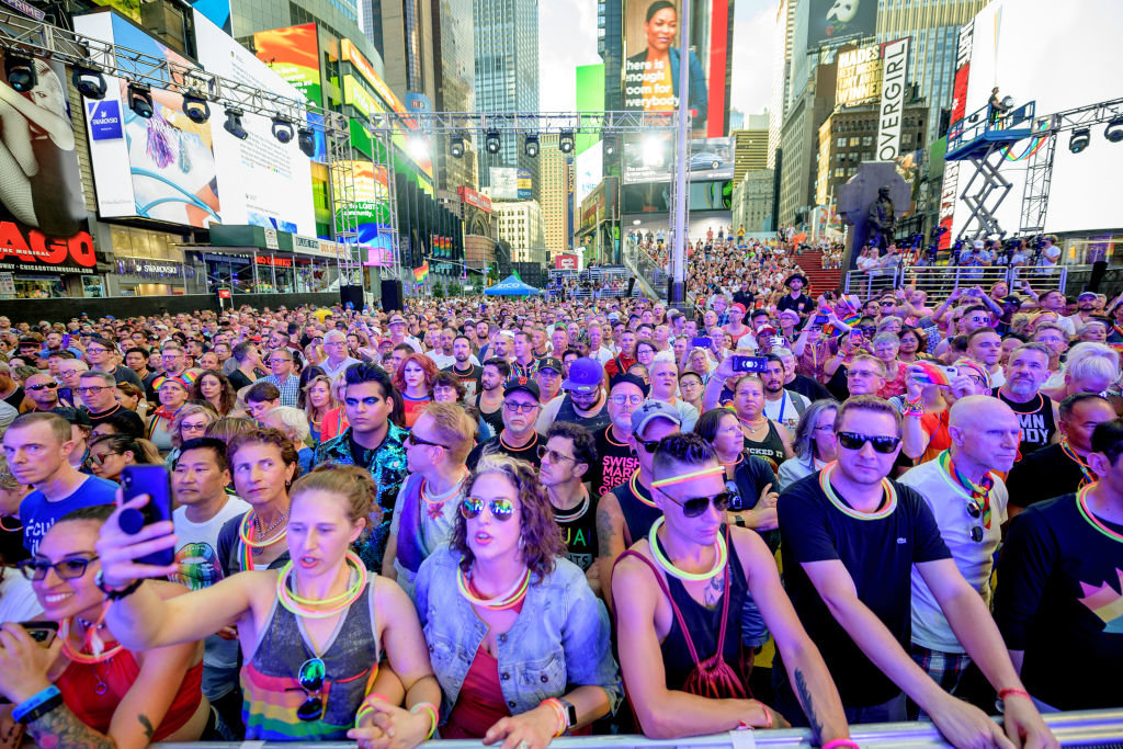 GettyImages-1159347707 crowd of people Audience members as singer Melissa Etheridge performs during the Closing Ceremony of WorldPride NYC