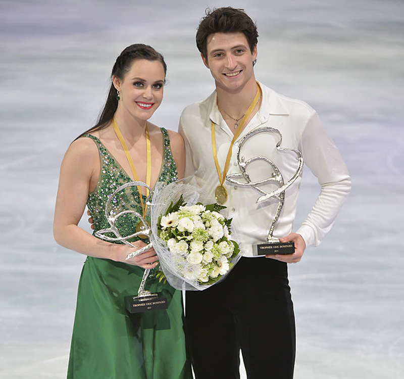 Tessa Virtue and Scott Moir win the gold medal for the ice dance competition of Trophee Eric Bompard ISU Grand Prix of Figure Skating-450119617