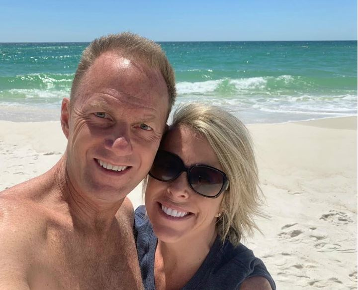 Rachelle Dyer at the beach with her husband