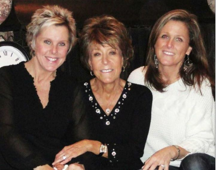 Shannon and Lisa with their mom, Janice Holley, who died before she met Rachelle and Kristelle