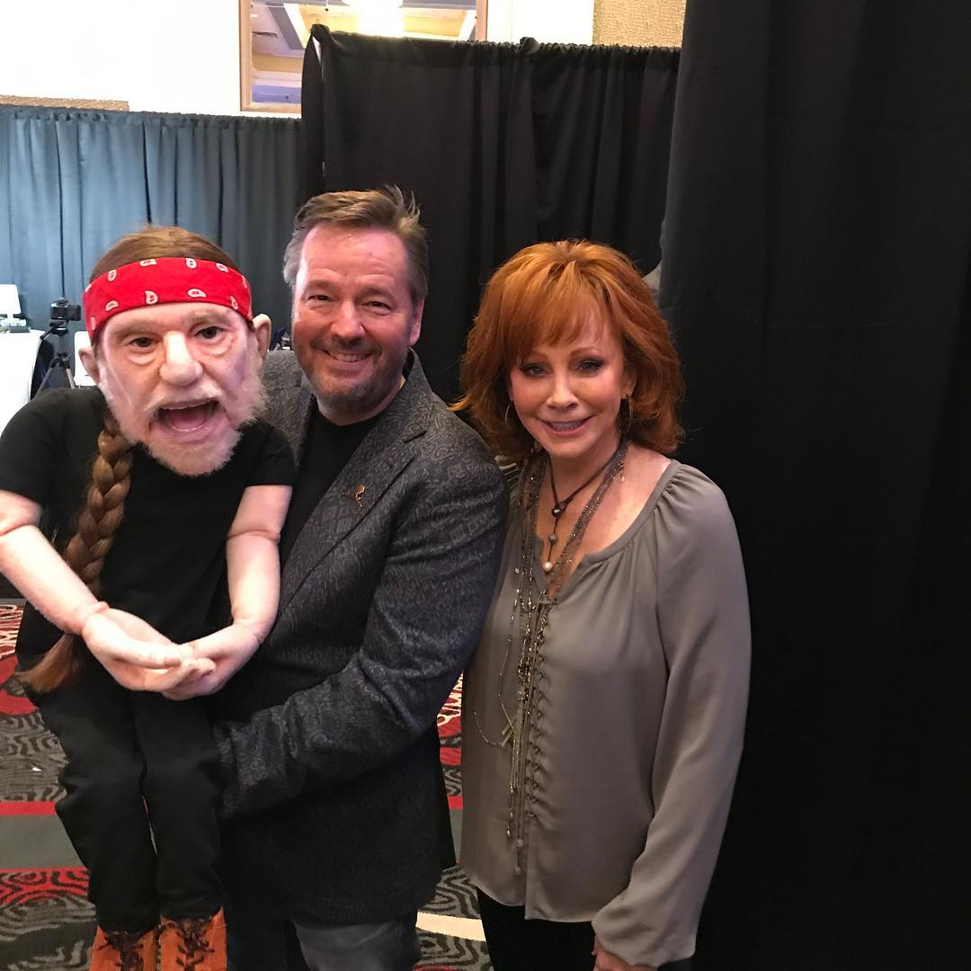 terry fator with reba mcintire and willie nelson puppet