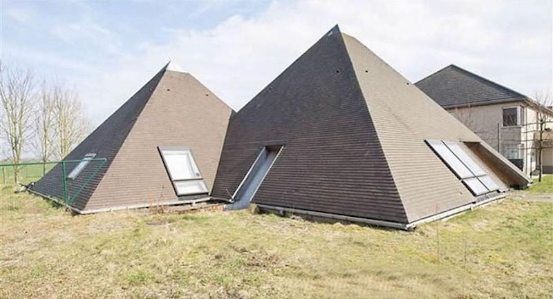 house that looks like it's just two roofs