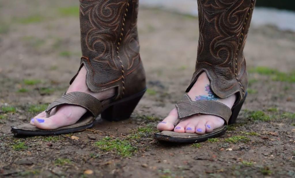 Flip flop cowboy boots