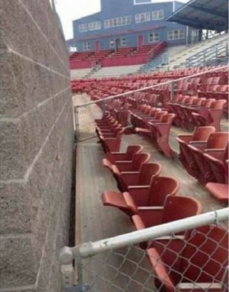 contractorfails-seats-28953