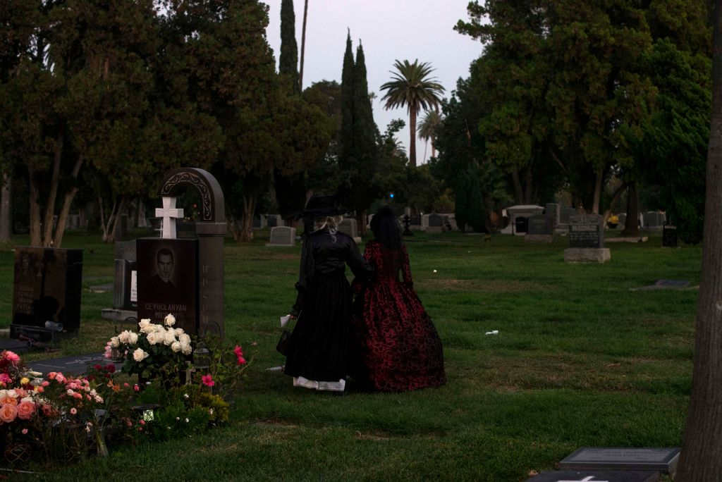 hollywood forever cemetery most haunted places
