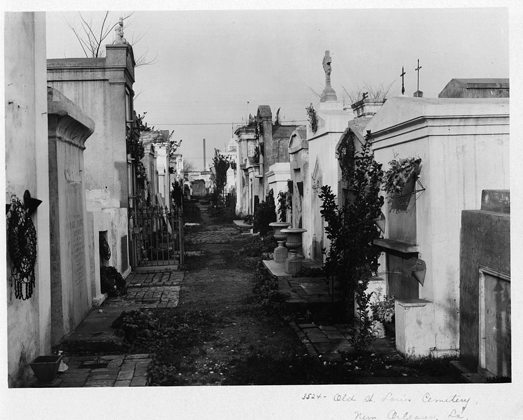 st louis cemetery most haunted grave sites