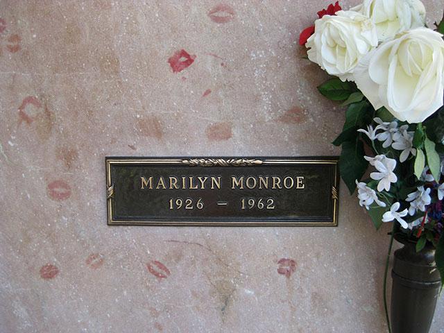 marilyn-monroe-tombstone