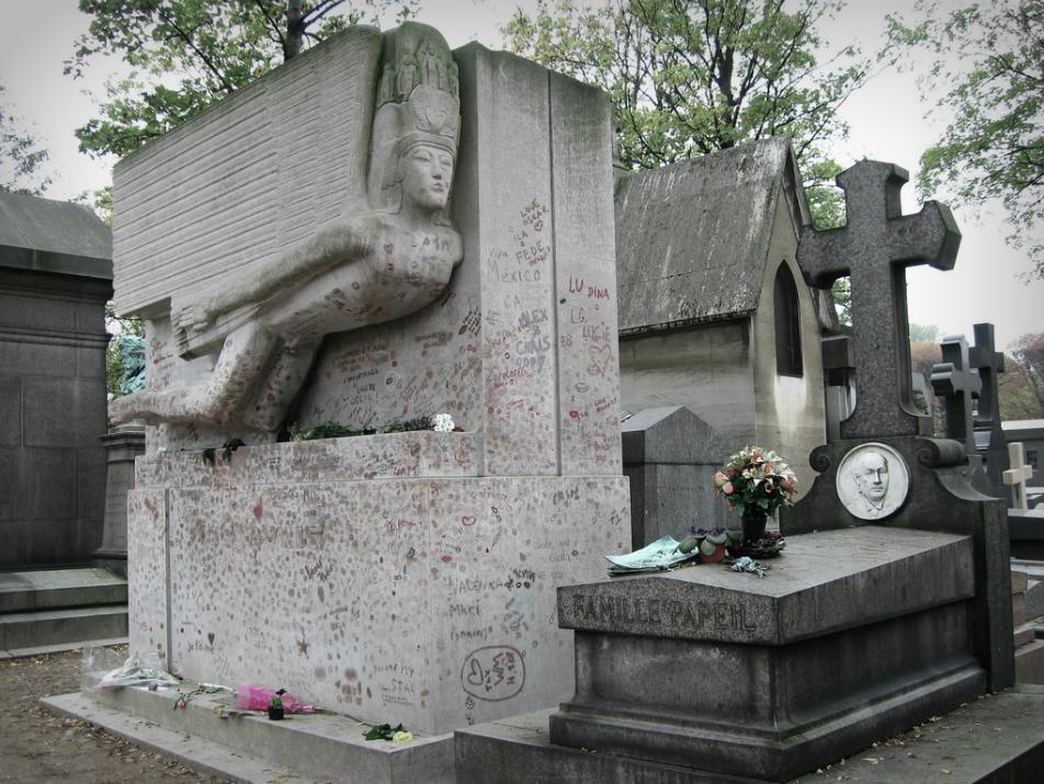 oscar-wilde-tombstone