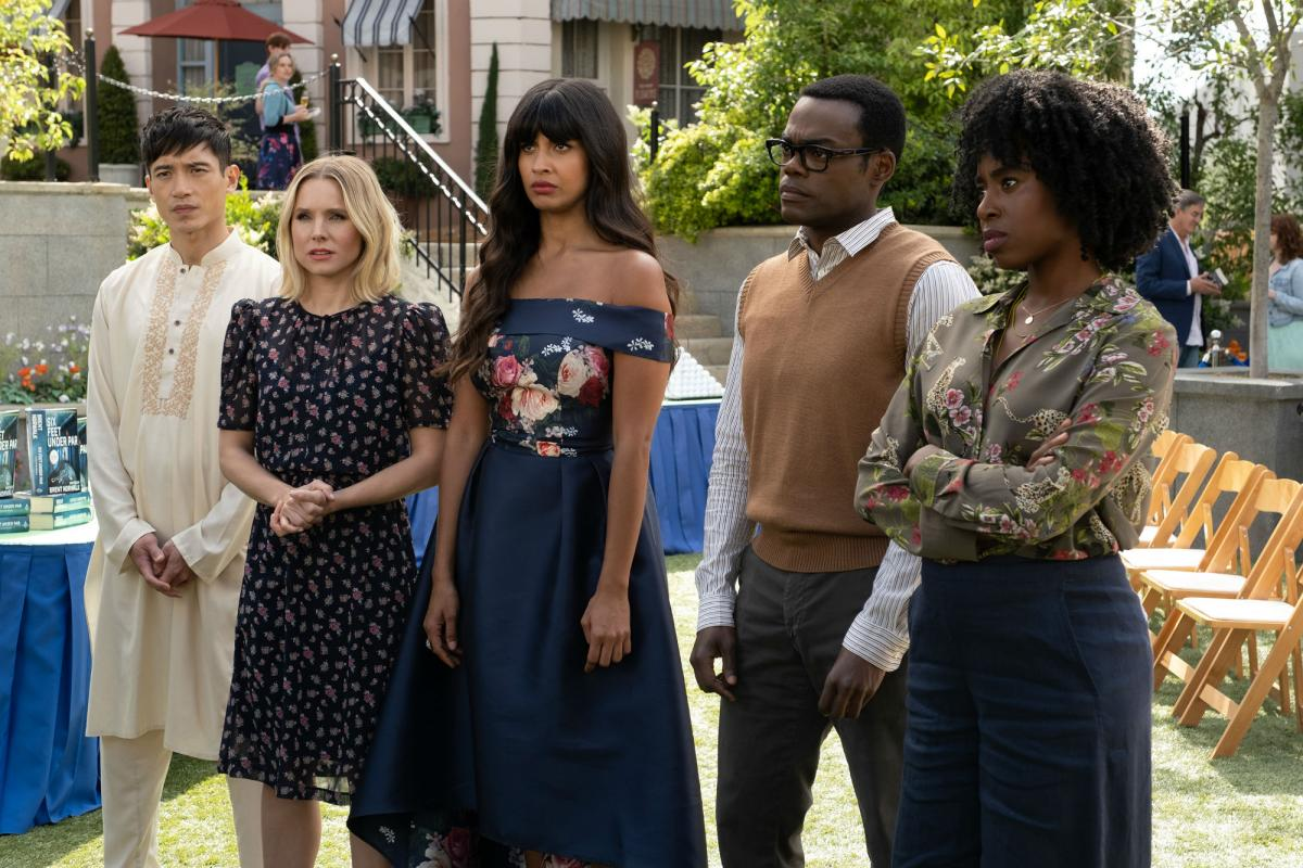 Kristen Bell, William Jackson Harper, Manny Jacinto, Jameela Jamil, and Kirby Howell-Baptiste in the good place