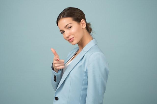 woman-wearing-blue-shawl-lapel-suit-jacket-1036622