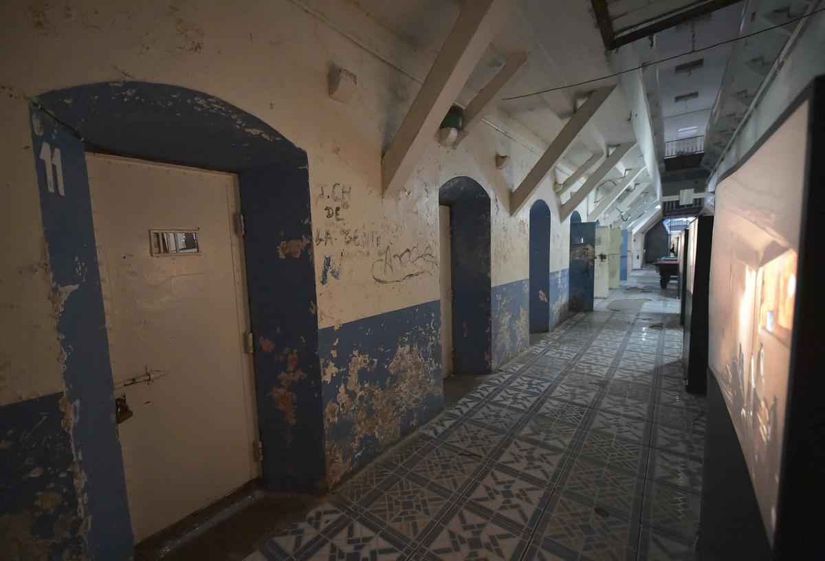 A corridor in the Garcia Moreno Prison is seen.