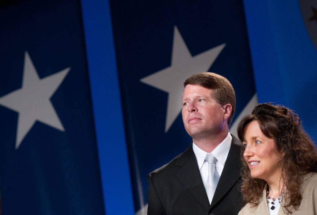 Jim Bob Duggar and Michelle Duggar receive an award
