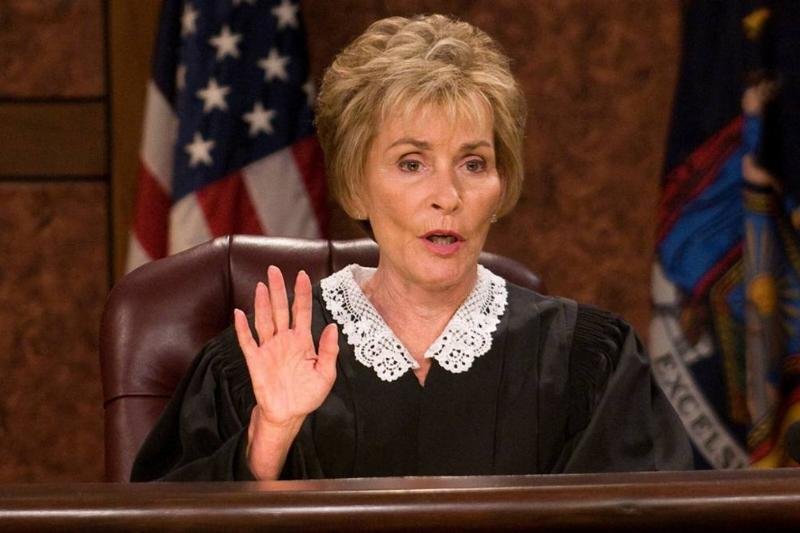 judy sheindlin at the bench in judge judy