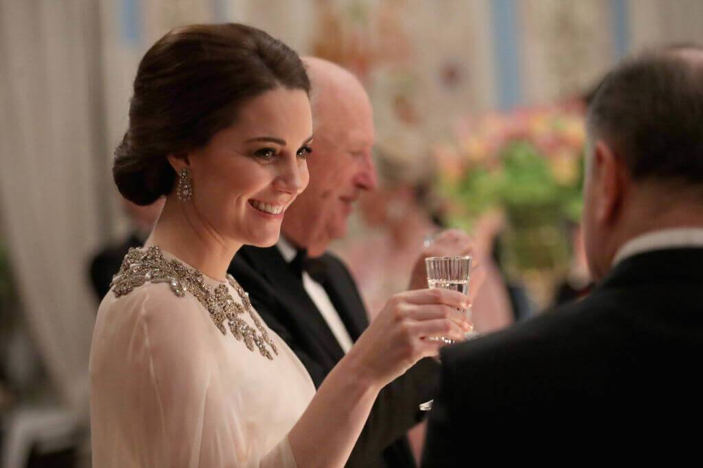 Kate-Middleton-25-79348-74122-50194
