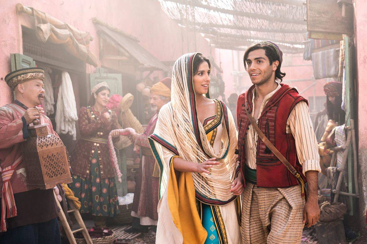Changing Naomi Scott And Mena Massoud Costumes in Aladdin