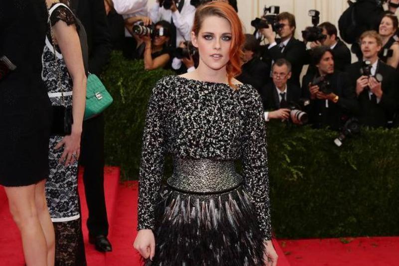 Kristen Stewart's Subtle Waist Training At The Met Gala