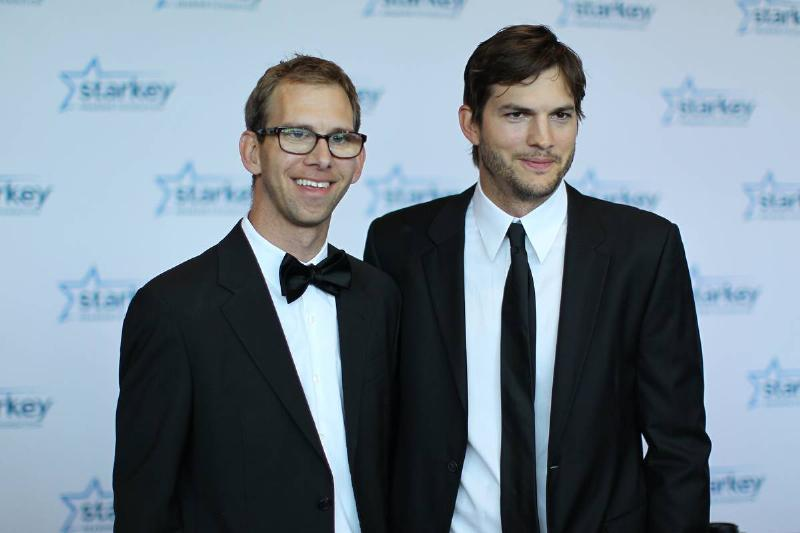 Ashton Kutcher And Michael Kutcher