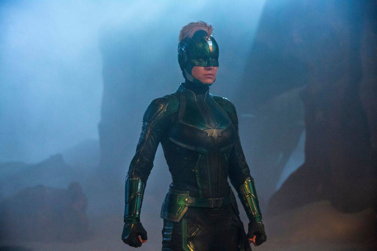 Brie Larson's Captain Marvel Suit Before The End Of The Film
