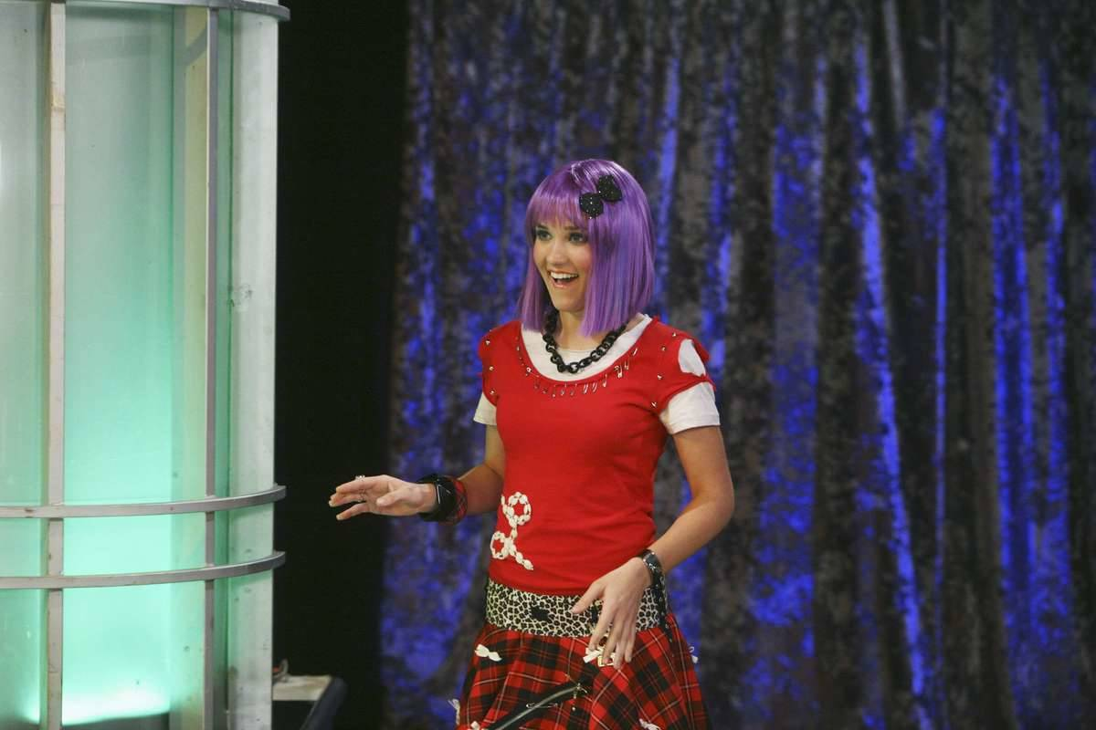Emily Osment And Miley Cyrus Weren't Friends