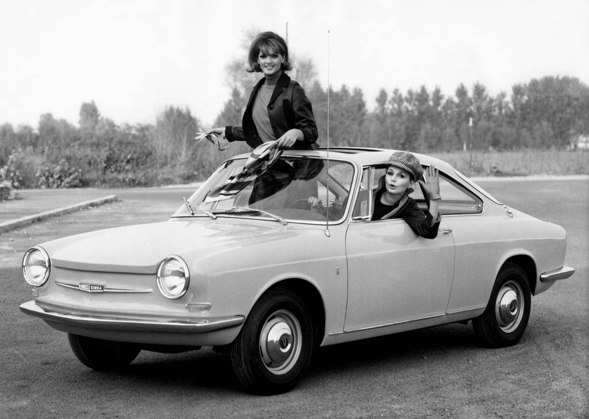 Girls Cruisin' Around In A Cimca 1000 Coupe