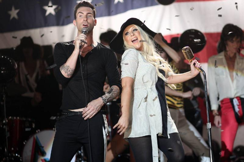 """Maroon 5 and Christina Aguilera perform for their """"Moves Like Jagger"""" music video."""