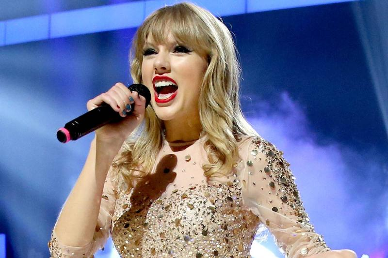 Taylor Swift performs at the 2012 iHeartRadio Music Festival.