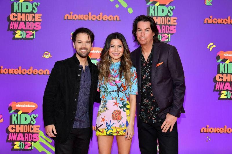 Nathan Kress, Miranda Cosgrove and Jerry Trainor attend Nickelodeon's Kids' Choice Awards