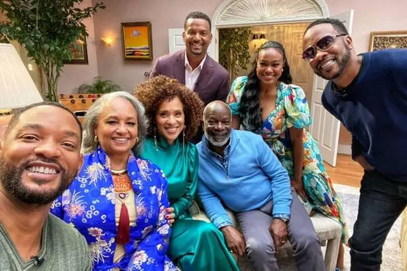 the fresh prince of bel-air cast reunited in the house from the show