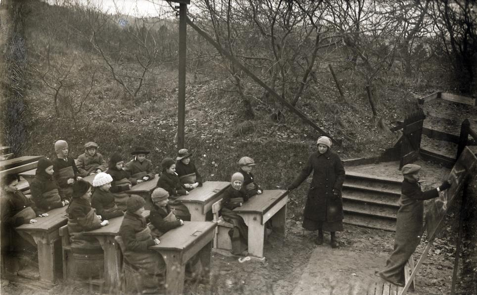 Open Air Schools in the Netherlands in 1918