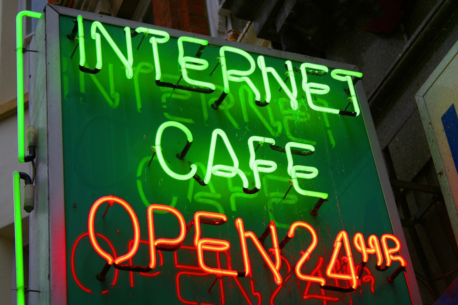 Florida Has Banned All Computers And Smart Phones In Internet Cafes