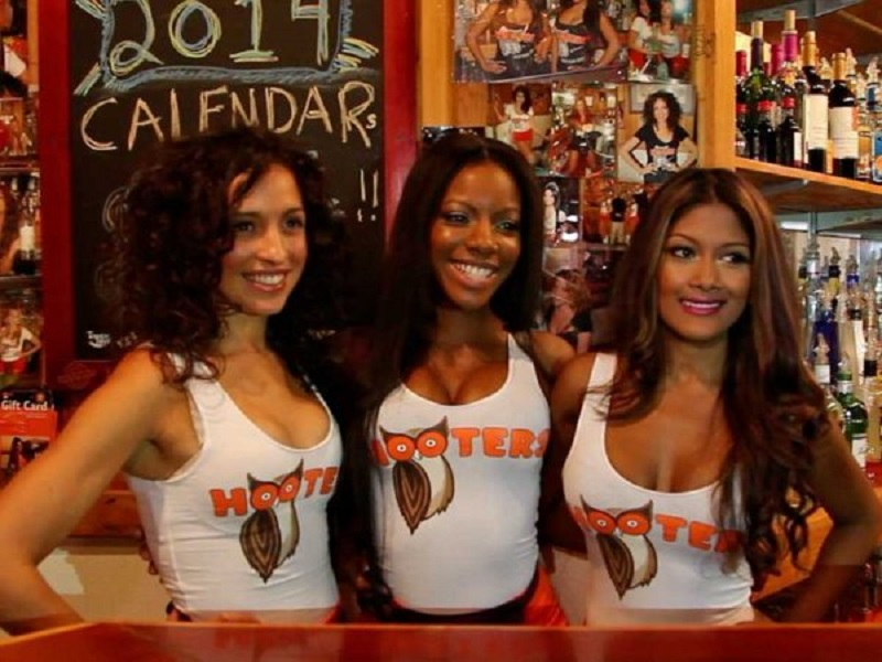 A Hooters Welcome