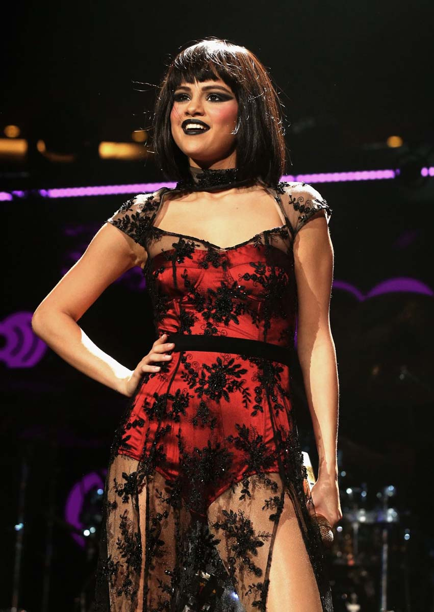 "Selena Gomez's ""Come And Get It"" Mishap"