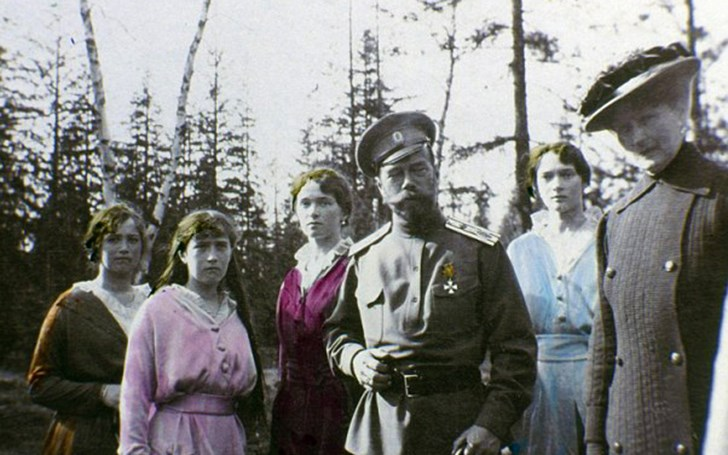 Tsar Nicholas II with His Daughters