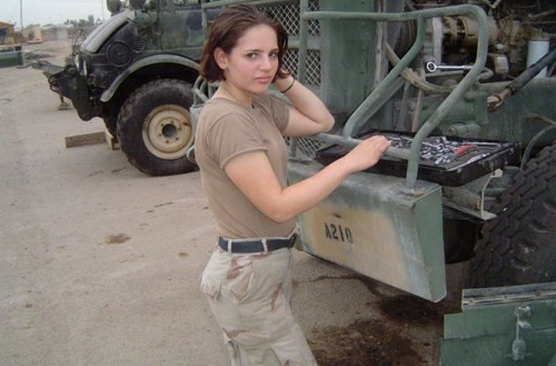 US-Female-Soldier.jpg