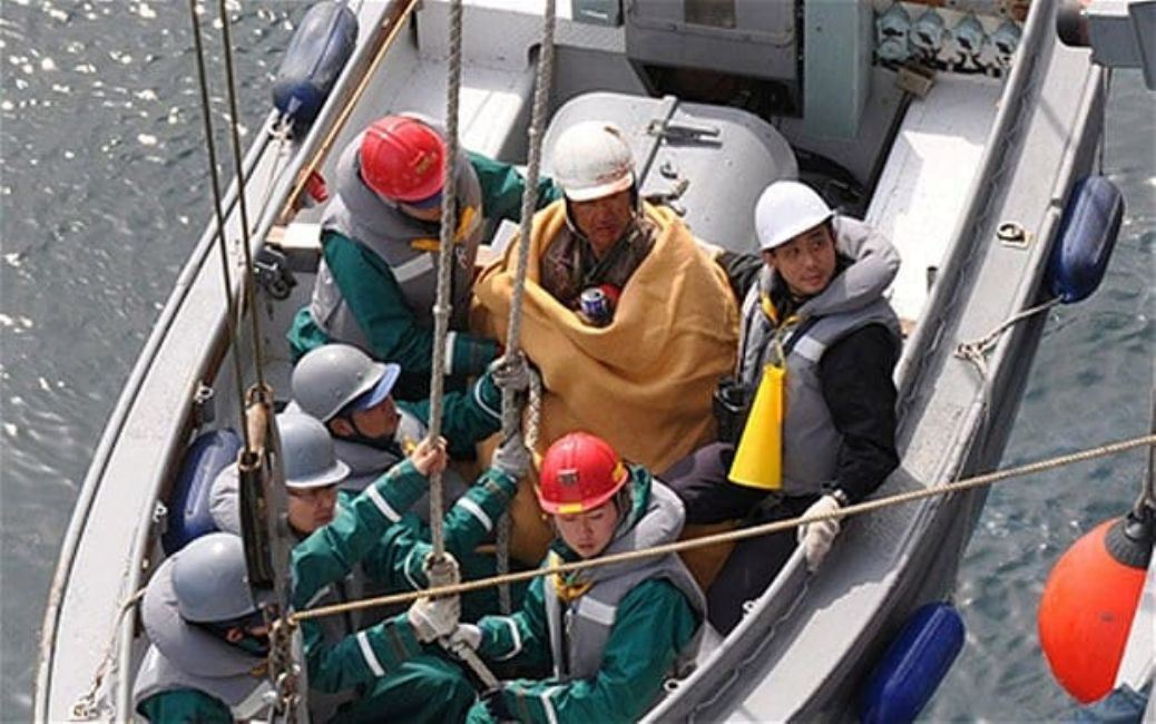 An Earthquake and Tsunami Caused Hiromitsu Shinkawa to be Carried Away to Sea