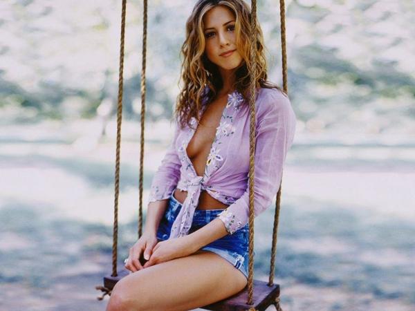 Jennifer Aniston: America's Sweetheart