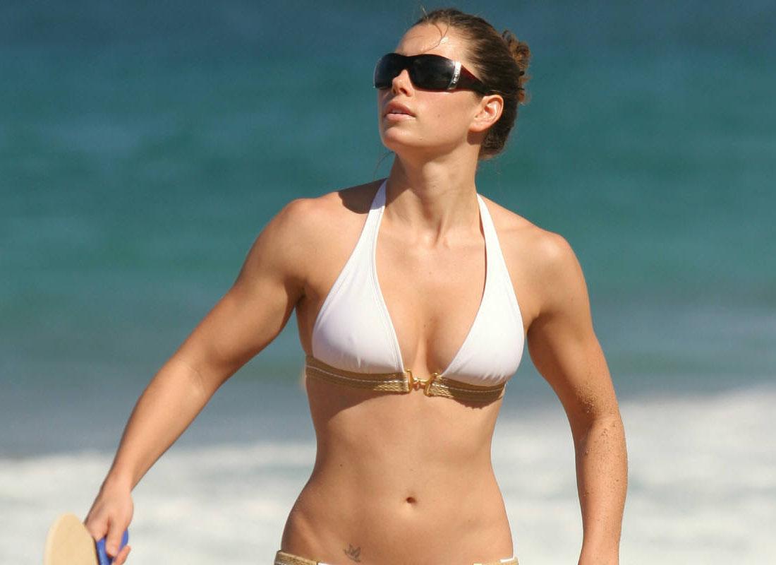 Jessica Biel – Muscles
