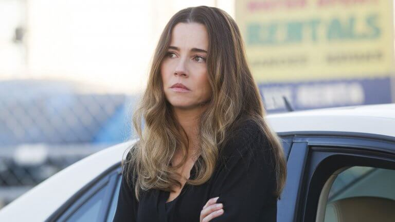 Veteran Actress Linda Cardellini is Still Going Strong